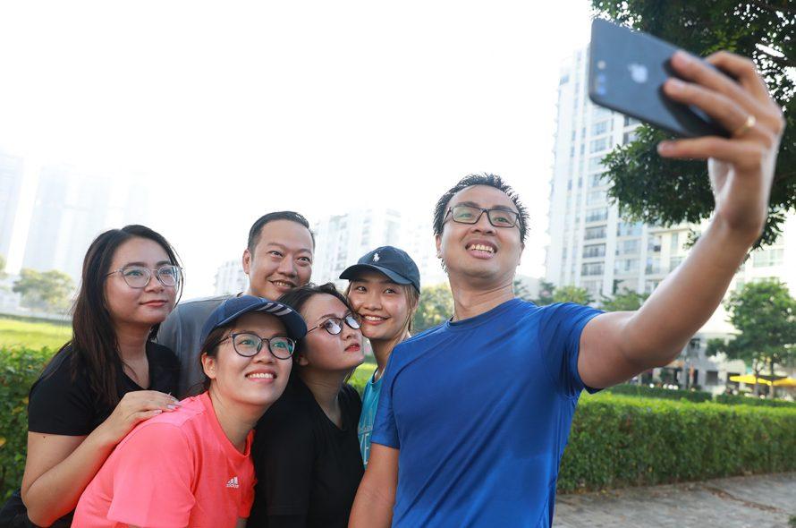 Runners prepare for the VM Hanoi Midnight night run