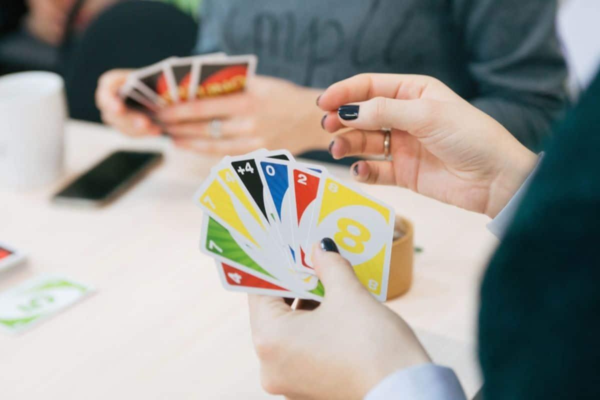 cách chơi game bài uno