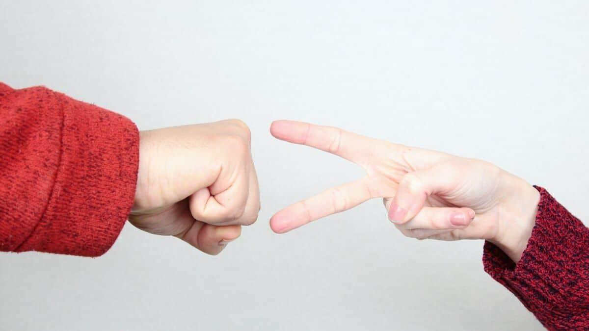 tips to play rock paper scissors rock paper scissors scissors