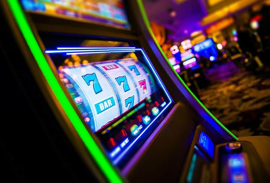 What is Slots?  How to play Slot to redeem billions of money at 12bet