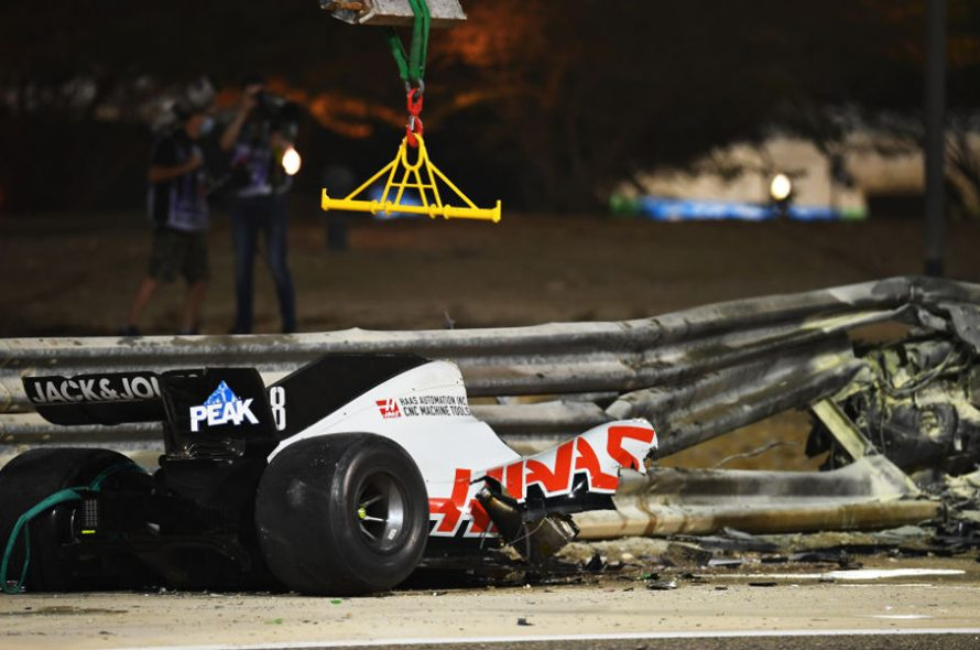 F1 car broke two in an accident in Bahrain GP