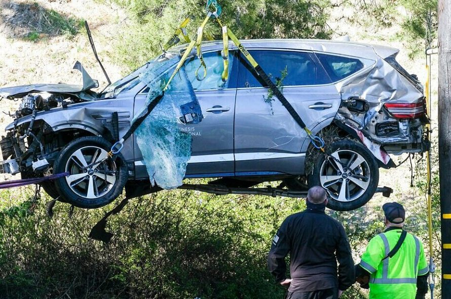Tiger Woods lost consciousness in the accident