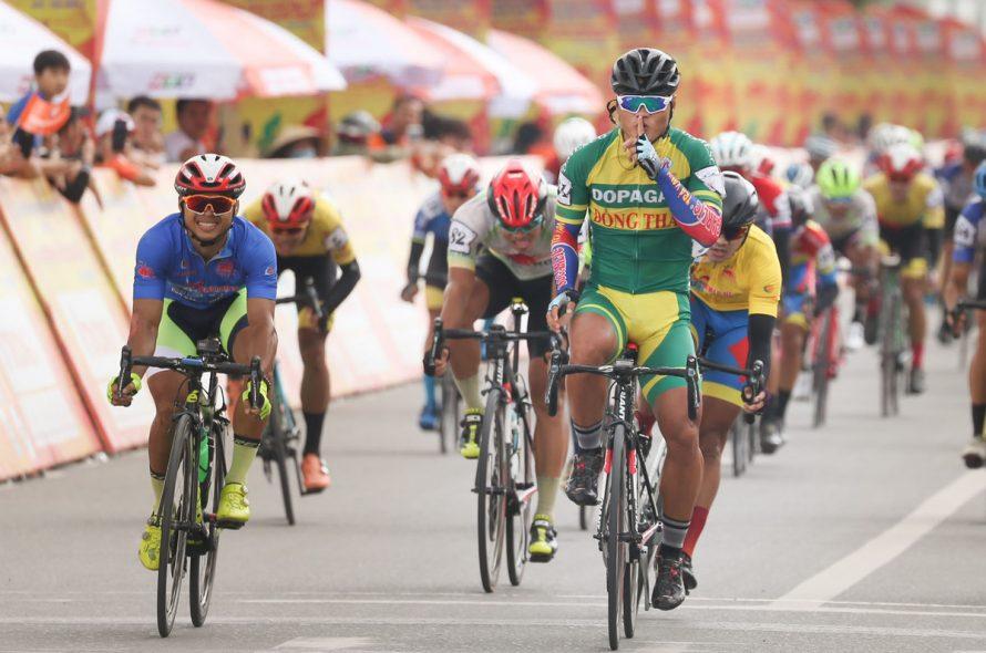 Tran Tuan Kiet won the seventh leg of the bicycle tournament through Vietnam