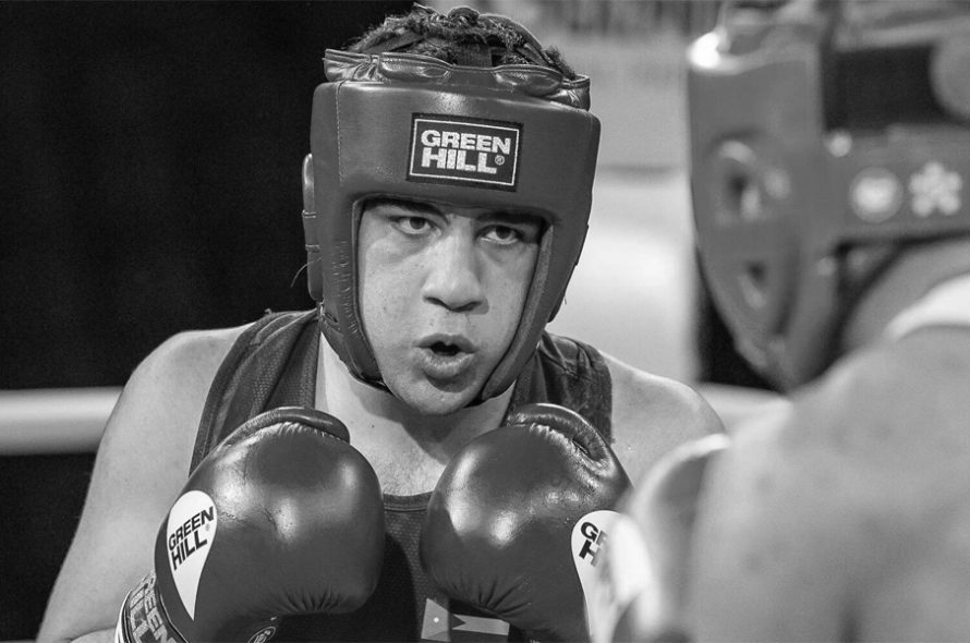19-year-old boxer died after collapsing on the ring