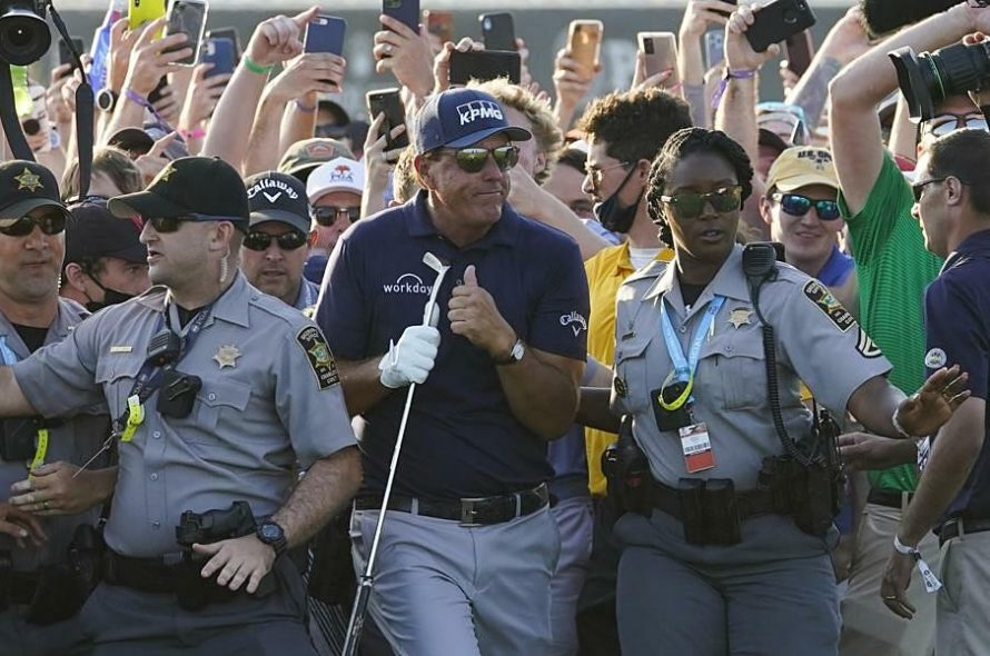 The organizers accept the blame for the chaos in the last hole of the PGA Championship